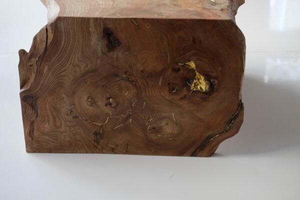 Table basse en bois massif. Orme ramageux. Meuble design, unique et original. Table sur mesure. Décoration d'intérieur