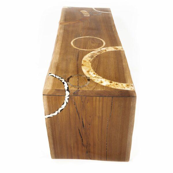 Table basse en bois massif. Orme. Meuble design, unique et original. Table sur mesure. Décoration d'intérieur.