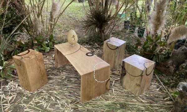 Présentation de la collection d'objet et de mobilier en bois massif savane